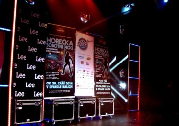 Horečka sobotní noci: legendární muzikál s hity Bee Gees se konečně dostává do Prahy