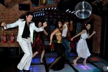 Disco muzikál Horečka sobotní noci odtajnil část obsazení