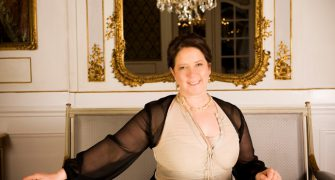 Koncert Kathy Kelly v Praze podpoří nadaci Rakovina věc veřejná
