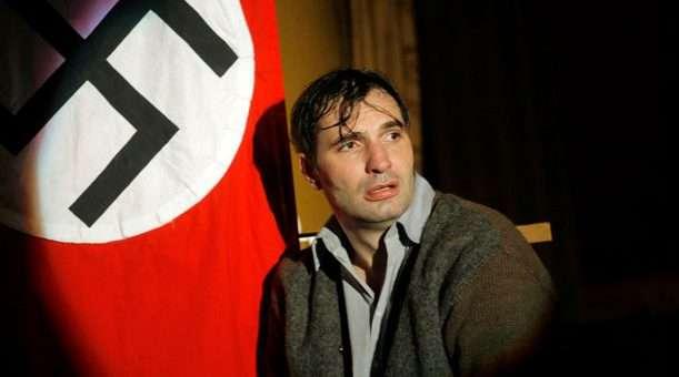 Musíme si pomáhat: Hřebejkův titul na Jezerce diváky dojme a nabídne pohled do nedávné historie