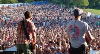 Festival Okoř: známé kapely zahrají na zřícenině hradu