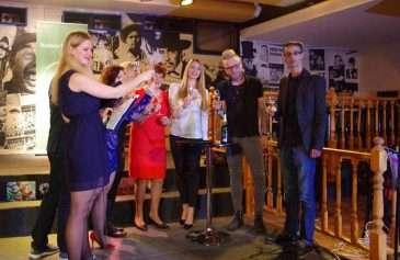Barbora Mottlová a Jaro Smejkal pokřtili nový projekt Galerie NaVíc