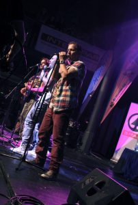 Klubem SaSaZu zněly písně Lunetic
