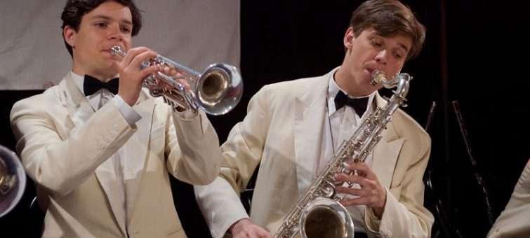 Krutá pravda na pozadí rytmu jazzu