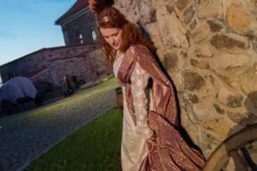 Lucia jako Eliška Pomořanský v Noci na Karlštejně
