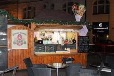Stánek Waffle Room najdete na Náměstí Republiky v Praze
