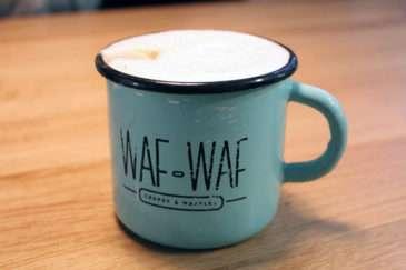 Pastelově modrý plecháček Waf-Waf