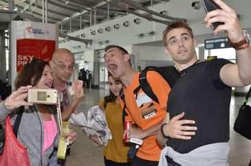 Selfíčko herců před odletem směr Korea