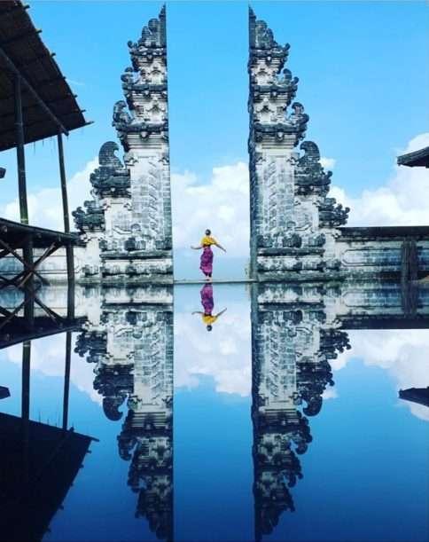 Kdo neviděl Bránu do nebes, jakoby na Bali ani nebyl