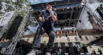 Liberecký zpěvák Jakub Děkan má velké bolesti