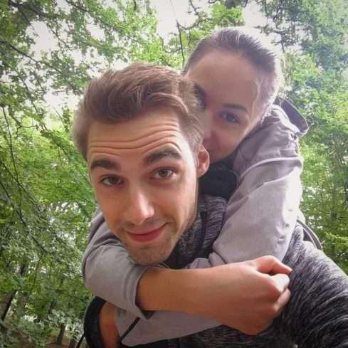 Láďa Korbel s přítelkyní