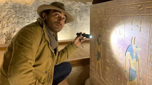 Ramy Romany v dokumentu Rozbalené mumie