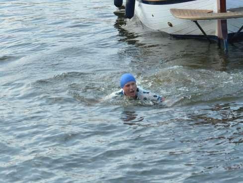 David Deyl plaval ve Vltavě