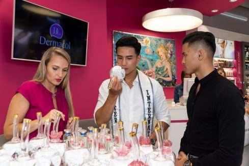 Trinh Văn Bảo zkouší českou kosmetiku