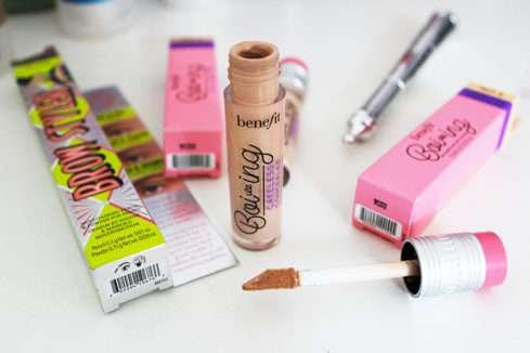 Korektor Boi-ing Cakeless Concealer (Benefit Cosmetics)