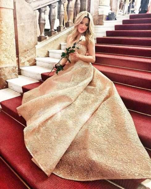 Moderátorka Eva Perkausová ohromila krásným outfitem i úsměvem